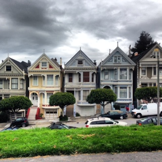Hey look ! The Full House Houses! Hi Tanner Family.
