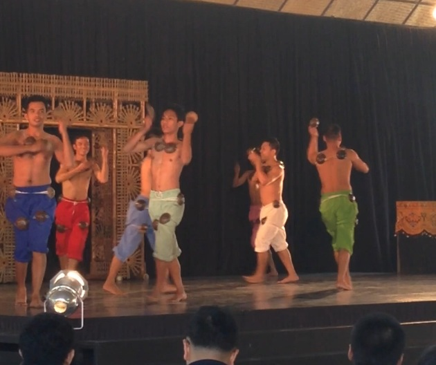 Maglalatik -  The coconut dance !