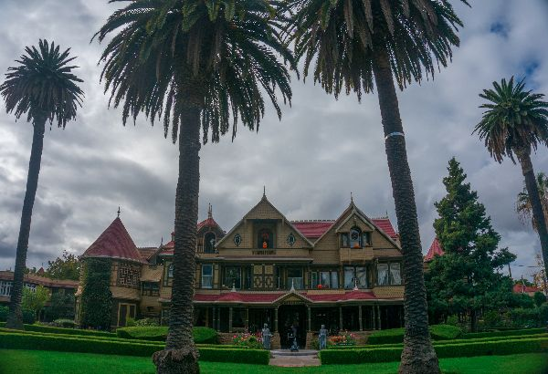 autumn-aquarius-winchester-mystery-house-3