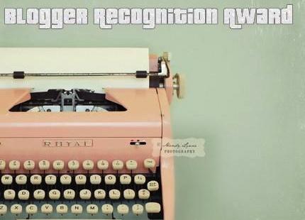 blogger-recognition-award-autumn-aquarius