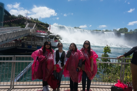 Niagara Falls Autumn Aquarius Family